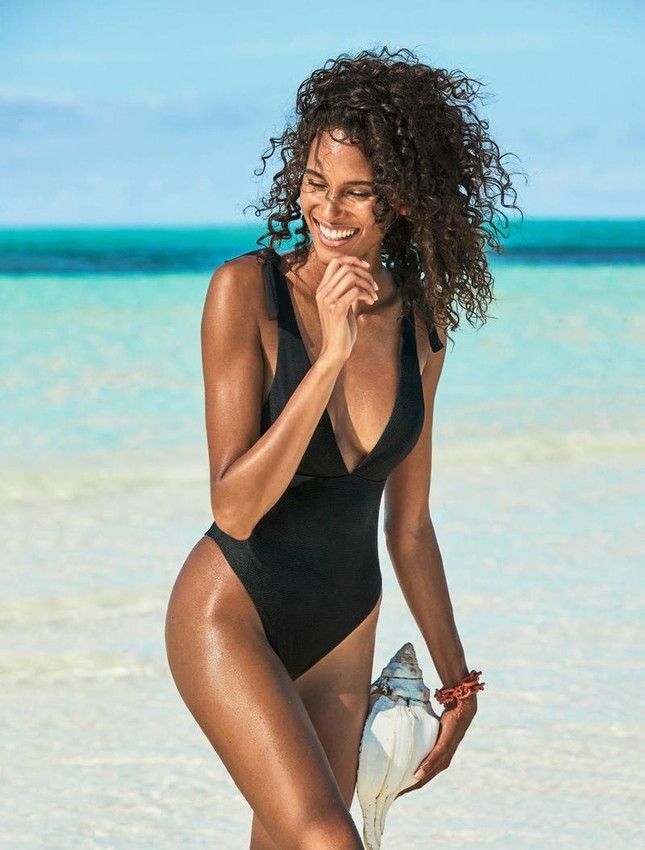 Siêu mẫu Cindy Bruna bán nude táo bạo ảnh 7