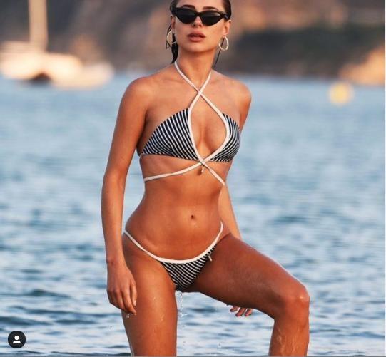 Mẫu áo tắm Kimberley Garner quyến rũ ngất ngây với bikini ảnh 7
