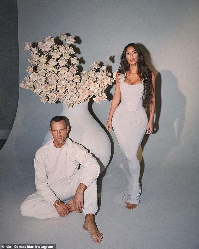 'Kim siêu vòng 3' tung ảnh cực gợi cảm giữa tin đồn được nhiều người theo đuổi sau ly hôn ảnh 4