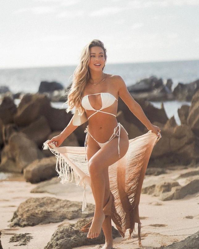 Mẫu nội y nóng bỏng Cindy Prado 'đốt mắt' fan với bikini nhỏ xíu ảnh 3