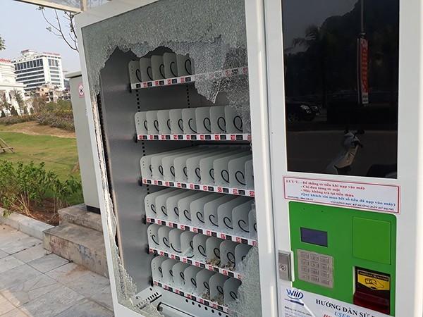 Đập nát máy bán hàng tự động ở Hạ Long để trộm nước ảnh 1