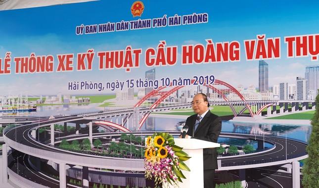 """Thủ tướng Nguyễn Xuân Phúc dự Lễ thông xe cây cầu """"cánh chim biển"""" ảnh 2"""