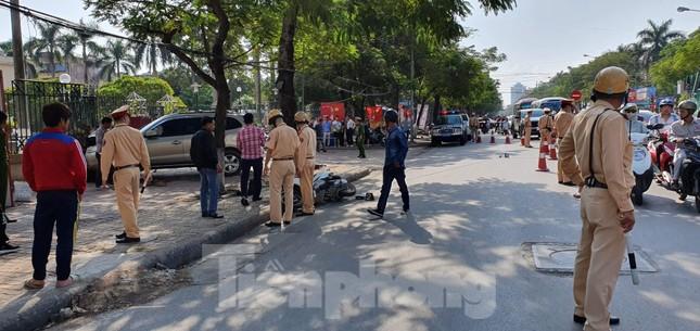 Xe ô tô 'điên' tông hàng loạt người bị thương ở Hải Phòng ảnh 3