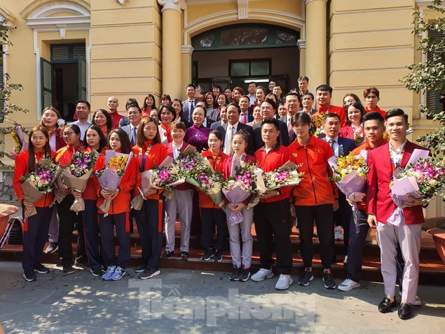 Hải Phòng 'mưa' tiền thưởng cho các VĐV đạt thành tích cao SEA Games 30 ảnh 2