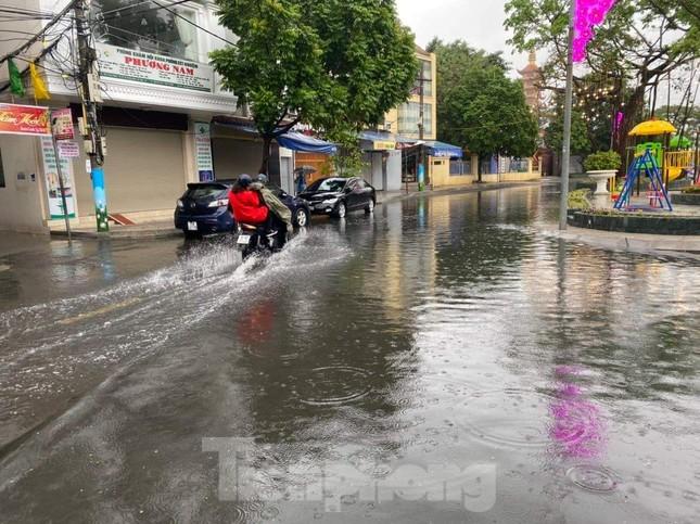 Hải Phòng mênh mông nước sau trận mưa lớn ngày đầu năm ảnh 2