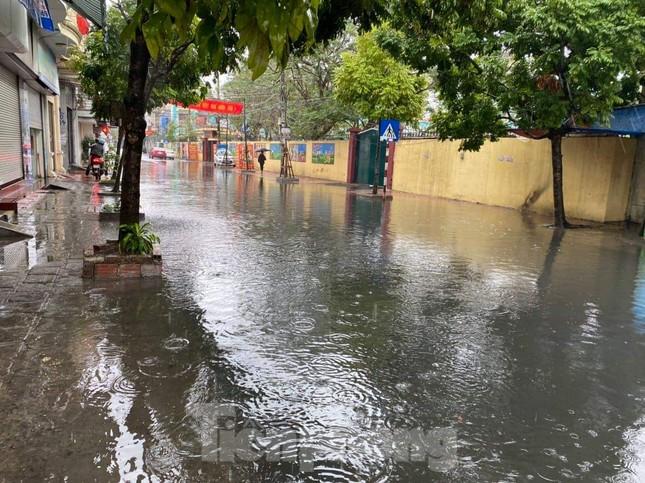 Hải Phòng mênh mông nước sau trận mưa lớn ngày đầu năm ảnh 1