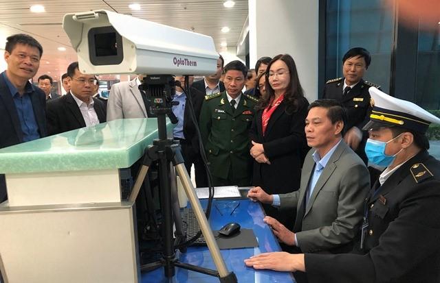 3 người bay từ TP.HCM ra Hải Phòng sốt cao, một người bỏ đi chưa rõ tung tích ảnh 2