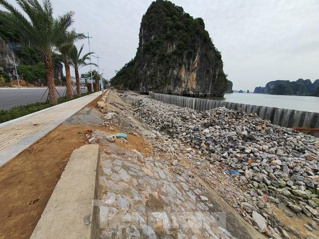Phá núi đá thuộc quần thể di sản vịnh Hạ Long để mở đường ảnh 4