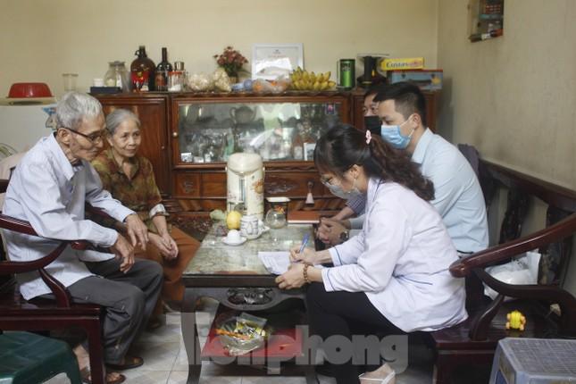 Hơn 300 nghìn người dân Hạ Long được kiểm tra y tế ảnh 2