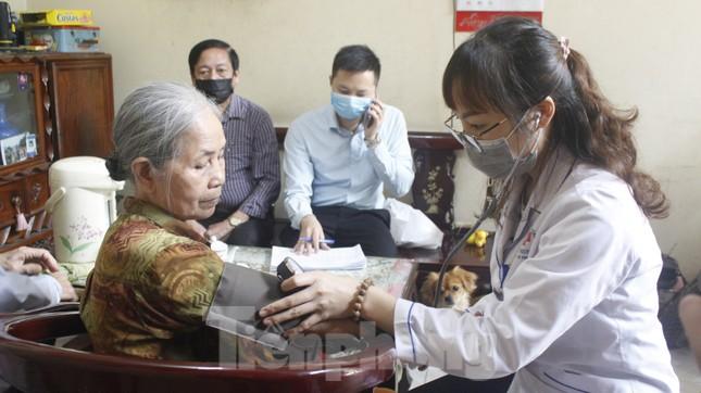 Hơn 300 nghìn người dân Hạ Long được kiểm tra y tế ảnh 1