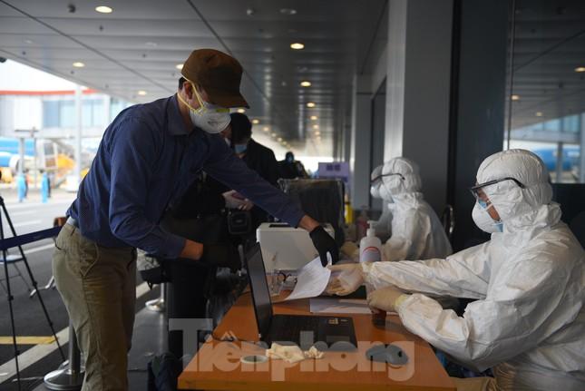 Sân bay Vân Đồn đón thêm hơn 500 người Việt về từ vùng dịch châu Âu ảnh 3