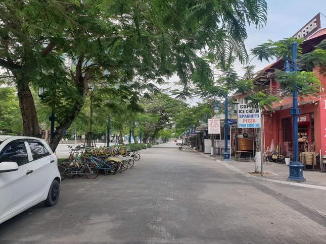 Quảng Ninh không bóng du khách trong ngày đầu nghỉ lễ 30/4 ảnh 3