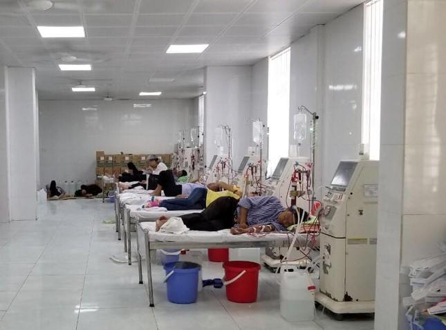 Bệnh nhân hoang mang khi máy chạy thận của bệnh viện liên tục trục trặc ảnh 2