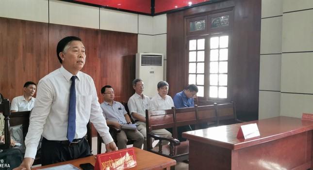 Giảng viên khởi kiện Bộ Giáo dục: Vì sao hoãn tòa? ảnh 1