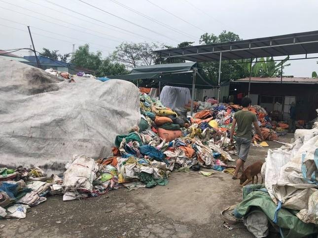Cơ sở tái chế rác thải hoạt động 'chui' nhiều năm ở Hải Phòng ảnh 1