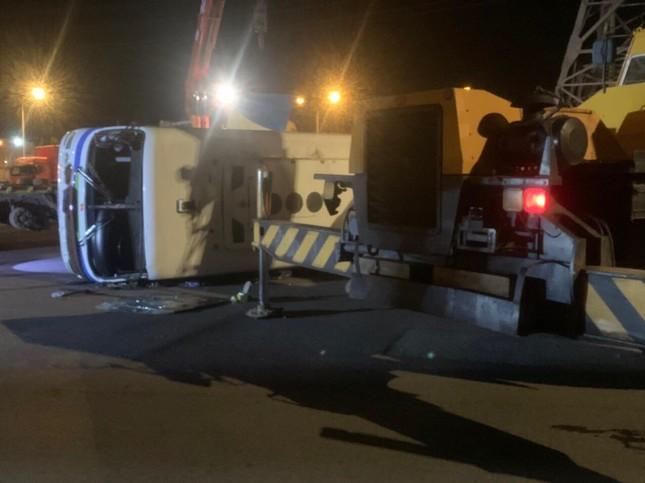 Tai nạn giao thông nghiêm trọng 1 người chết, 15 người bị thương ảnh 2