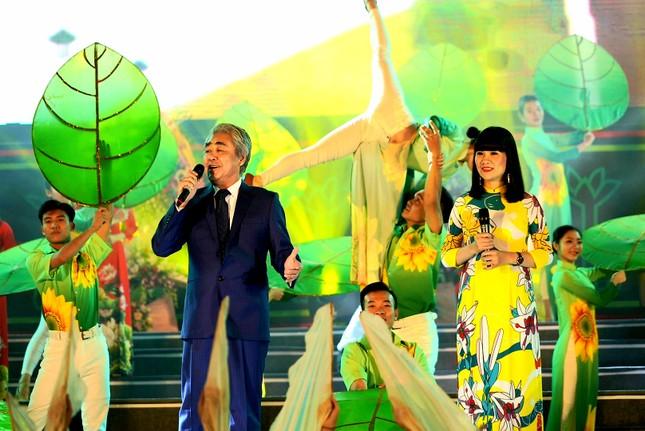 Rực rỡ sắc màu các dân tộc vùng Đông Bắc tỉnh Quảng Ninh ảnh 6