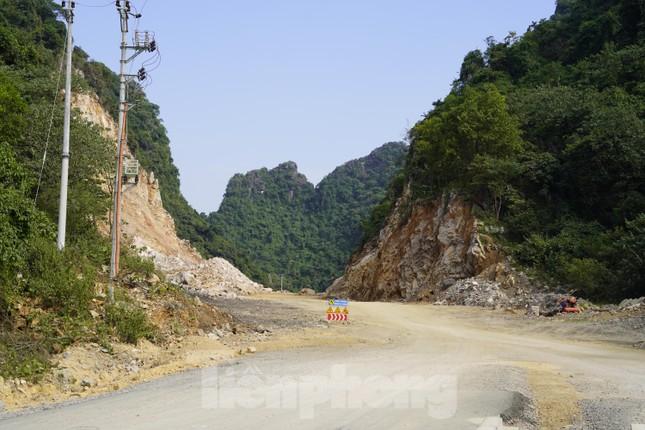 Trên công trường thi công đường bao biển hơn 2.000 tỷ nối TP Hạ Long - Cẩm Phả ảnh 10