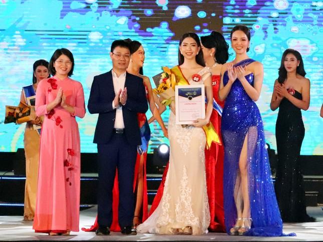Cô gái 22 tuổi đăng quang Người đẹp Hạ Long 2020 ảnh 1