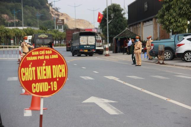 Muốn đến Quảng Ninh phải có giấy xét nghiệm hoặc đi cách ly tự trả phí ảnh 2