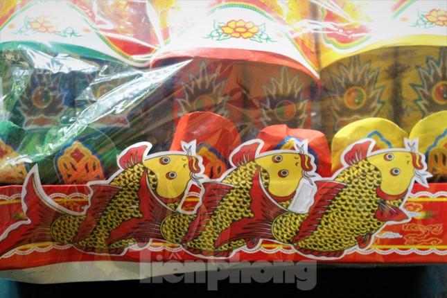 Hạ Long: Cá chép tăng giá, dân dùng cá giấy tiễn ông Táo về trời ảnh 3