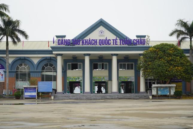 Mở cửa du lịch nội tỉnh, Hạ Long vẫn 'vắng như chùa bà Đanh' ảnh 5
