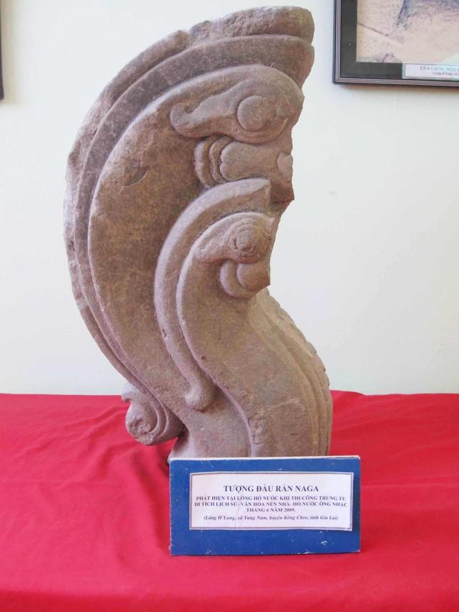 Giải mã chữ Chăm cổ trên bia đá gần 600 năm ảnh 3