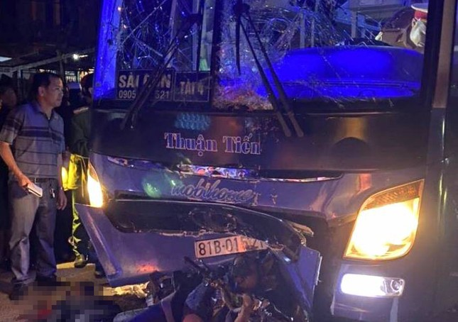 Va chạm với xe khách, 3 người tử vong ảnh 1