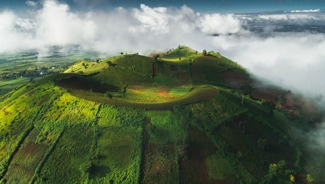 Chiêm ngưỡng núi lửa Chư Đăng Ya lúc mặt trời mọc ảnh 6