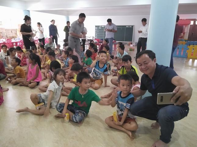 Báo chí thường trú Khánh Hòa tặng quà trẻ em cơ nhỡ, người già neo đơn ảnh 13