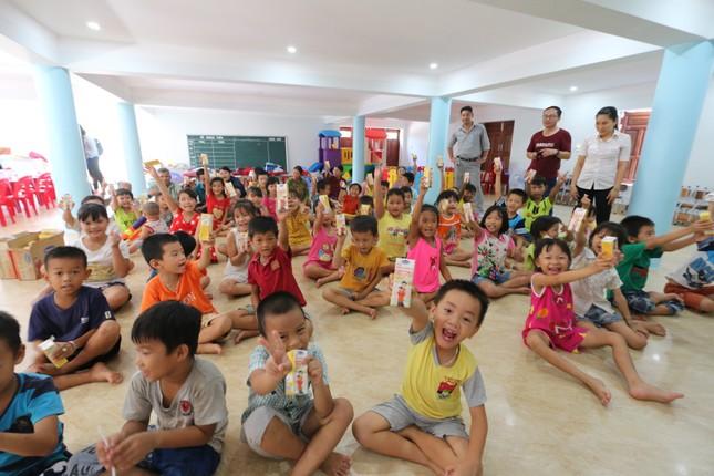 Báo chí thường trú Khánh Hòa tặng quà trẻ em cơ nhỡ, người già neo đơn ảnh 6