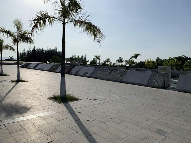 Công viên biển tiền tỉ ở Ninh Thuận hư hỏng ra sao? ảnh 1