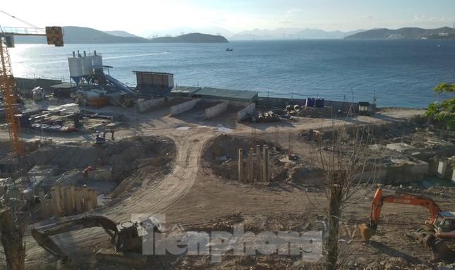 Yêu cầu xử lý đơn vị cho xây 'chui' nhà hàng trên đảo Hòn Tằm ảnh 1