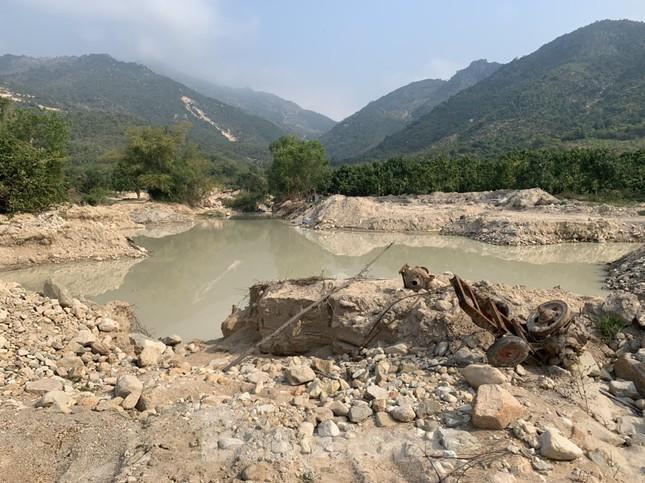 Khánh Hoà: Khai thác tài nguyên trái phép tràn lan, địa phương bỏ lơ? ảnh 1