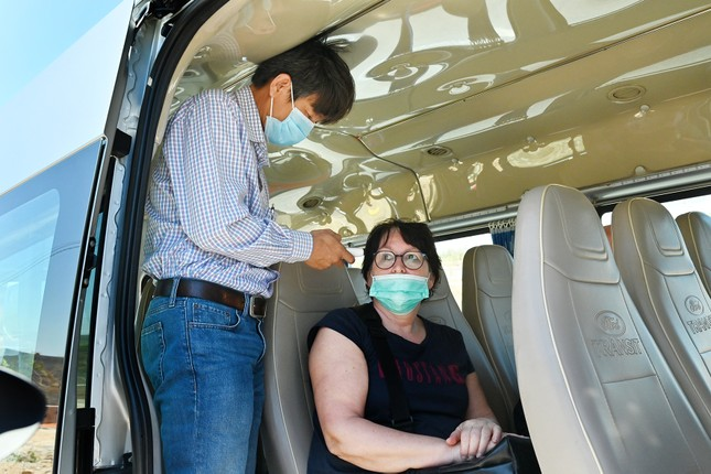 Bình Thuận lập 2 chốt kiểm soát y tế khách nước ngoài ảnh 1