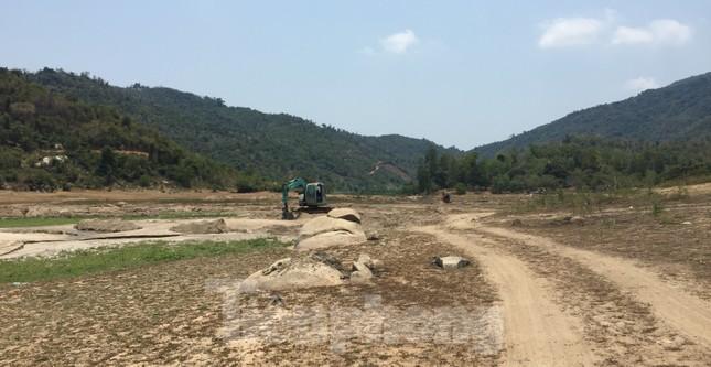 Hồ thuỷ lợi Khánh Hoà tan hoang vì 'cát tặc' ảnh 2