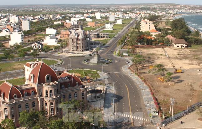 Ai cho phép chuyển đổi sân golf Phan Thiết thành khu đô thị? ảnh 2