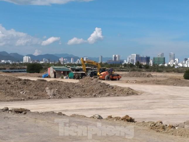 Chưa được giao đất, chủ khu đô thị sinh thái ở Khánh Hòa đã ồ ạt san lấp ảnh 2