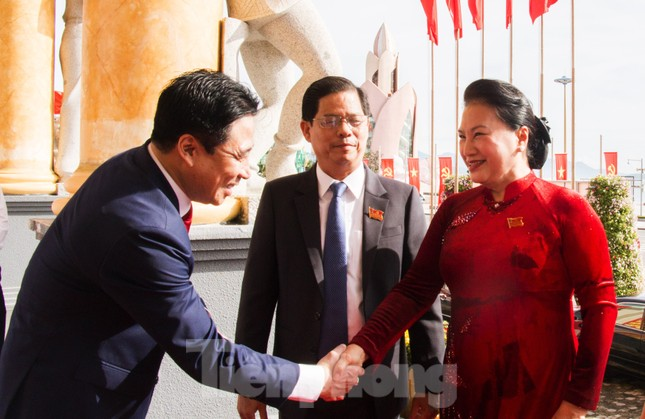 Chủ tịch Quốc hội: Khánh Hoà cần phải phát triển mạnh kinh tế biển ảnh 1