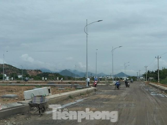 Vụ xây 'chui' tại khu đô thị sinh thái ở Nha Trang: 'Đá bóng' trách nhiệm? ảnh 3