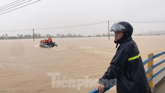 Nhiều nơi ở Khánh Hoà ngập lụt sau bão số 12 ảnh 1