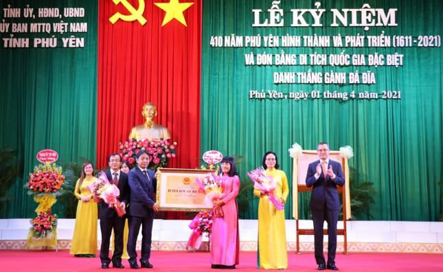 Phú Yên nhận bằng Di tích quốc gia đặc biệt danh thắng Gành Đá Đĩa ảnh 2