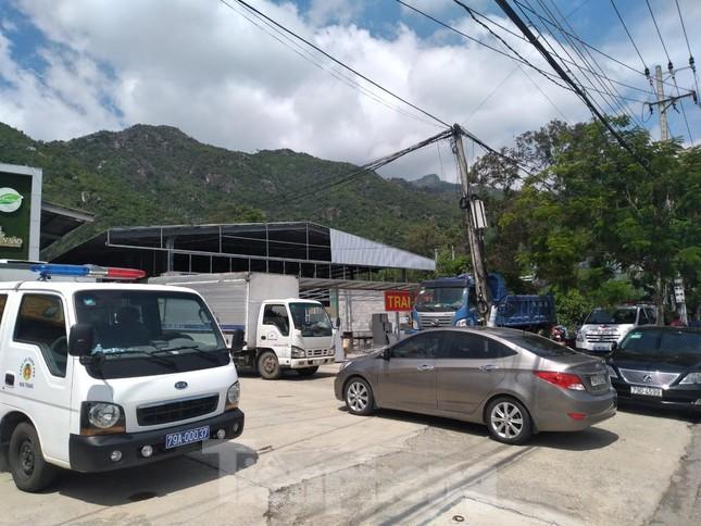 Cưỡng chế loạt cửa hàng xây trái phép tại Nha Trang chuyên đón khách Trung Quốc ảnh 2