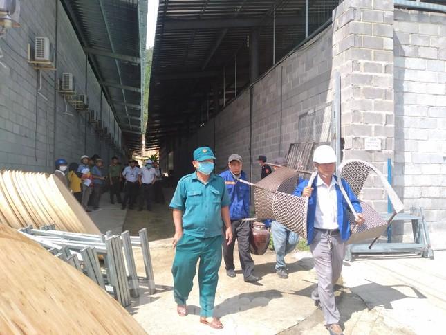 Cưỡng chế loạt cửa hàng xây trái phép tại Nha Trang chuyên đón khách Trung Quốc ảnh 1