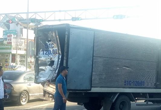Tai nạn xe tải liên hoàn khi dừng đèn đỏ, 8 người bị thương ảnh 3
