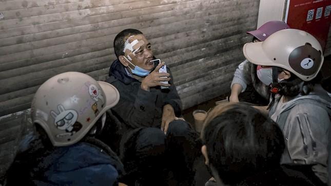 Chàng trai Tây giúp đỡ người vô gia cư ở Hà Nội ảnh 10