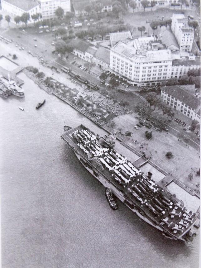 Quốc khánh thống nhất đầu tiên của người đánh tàu sân bay ảnh 3