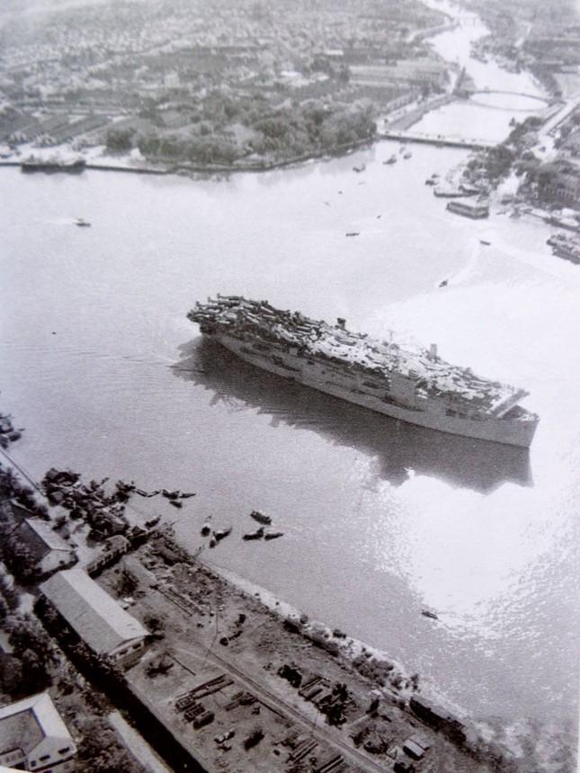 Quốc khánh thống nhất đầu tiên của người đánh tàu sân bay ảnh 2
