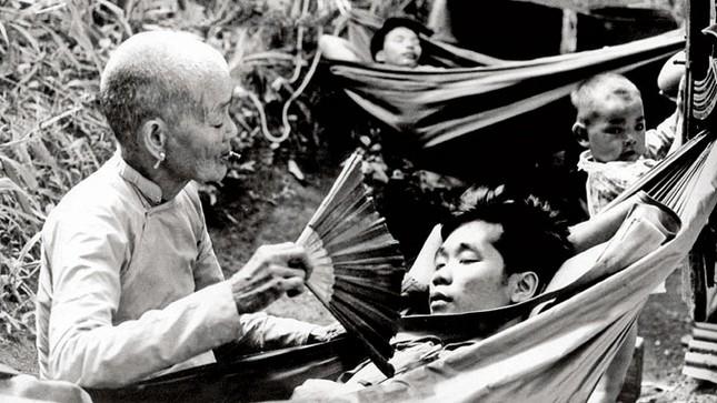 Hai tuyến đường Hồ Chí Minh - hai kỳ công chiến lược ảnh 2