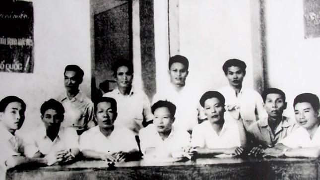 Hai tuyến đường Hồ Chí Minh - hai kỳ công chiến lược ảnh 1